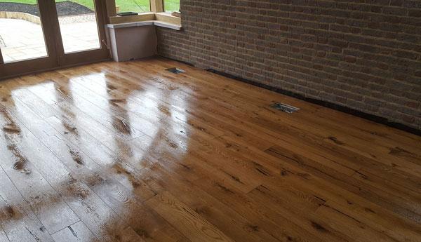 Engineered Board Rustic Grade Oak-osmo After Wet